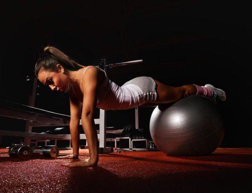 6 des meilleurs exercices abdos avec une swiss ball